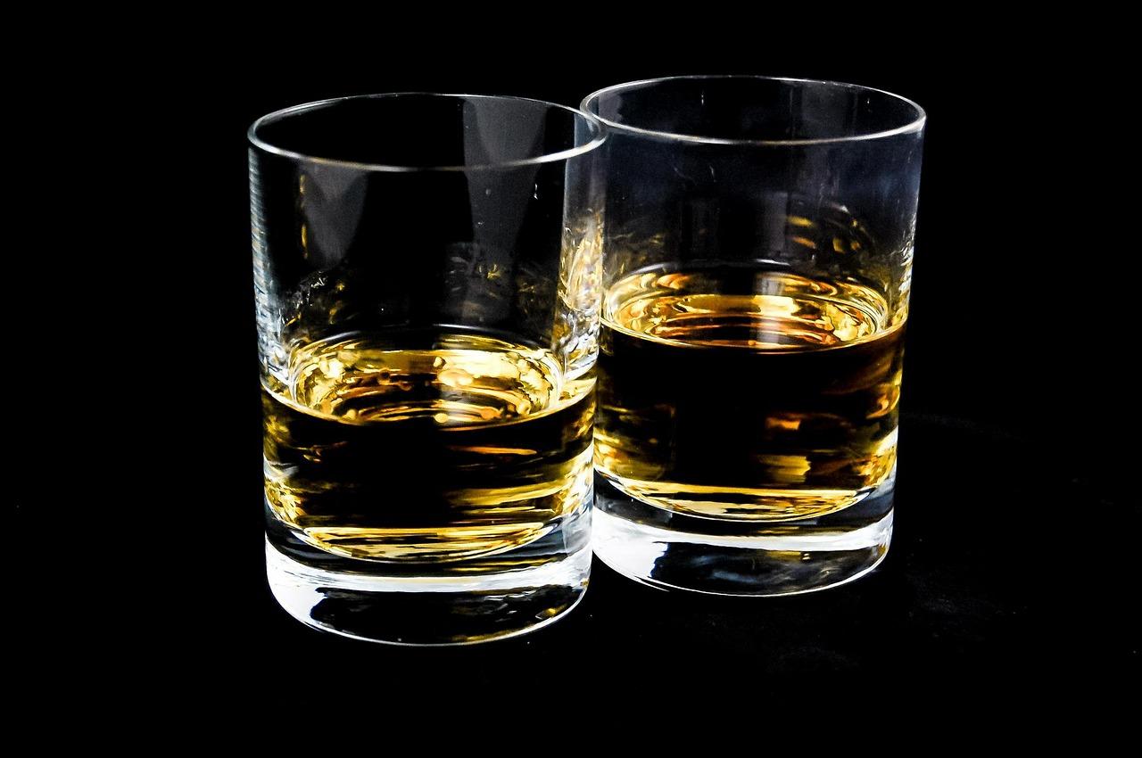 Vrouwen drinken inmiddels bijna net zo veel als mannen