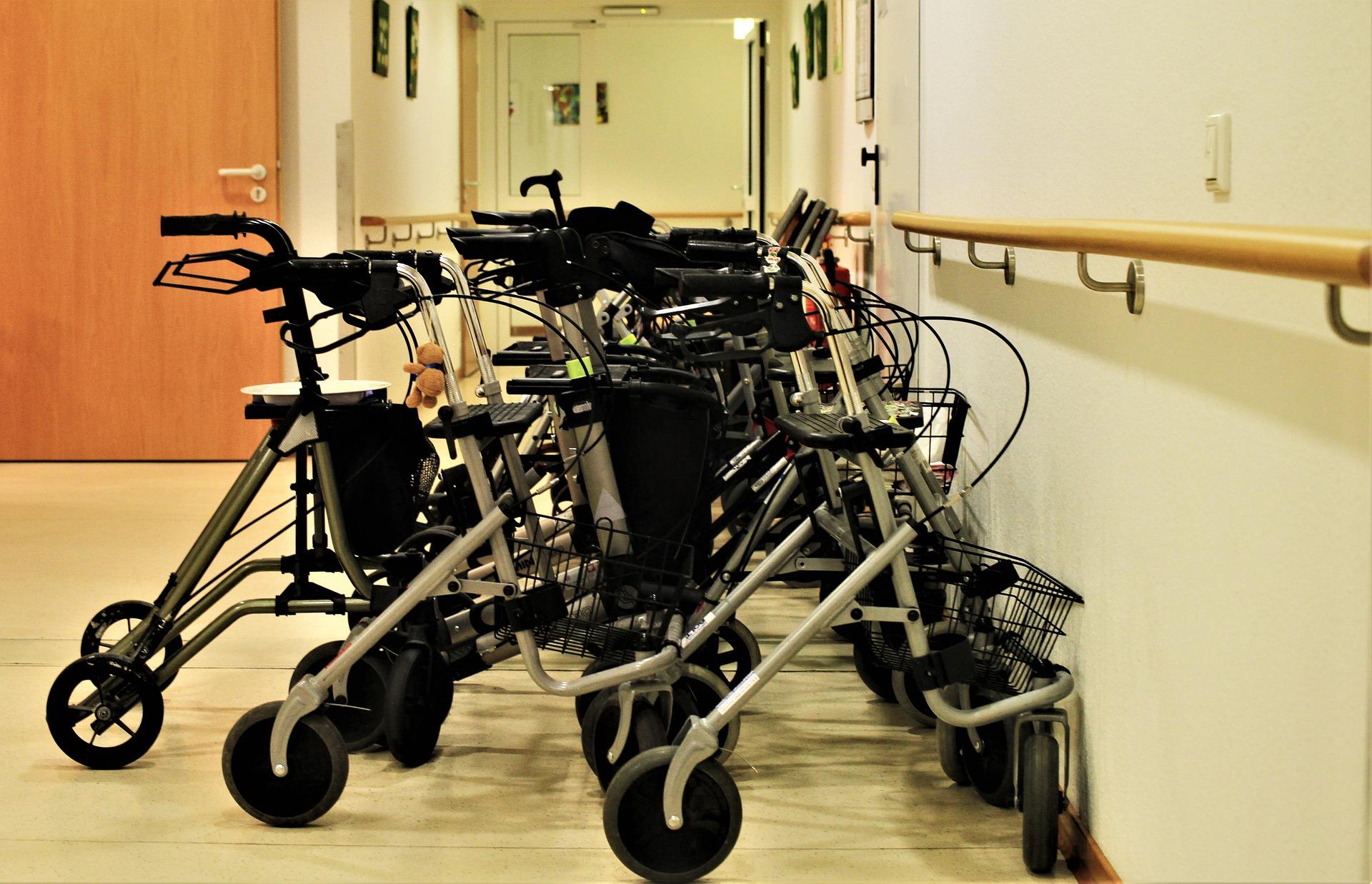 Moet RIVM-baas excuses maken voor uitspraken zorgmedewerkers verpleeghuizen?