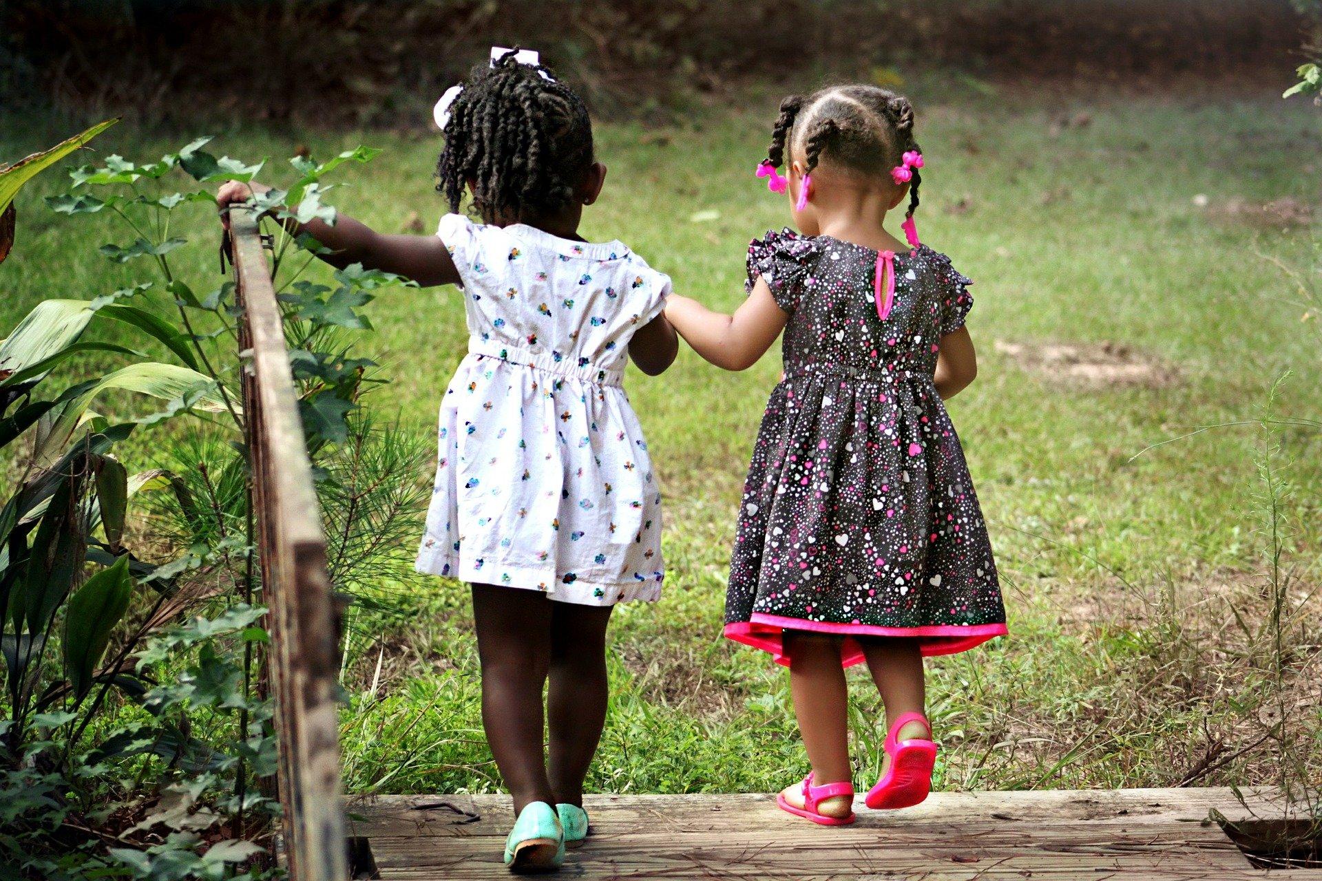Adopties uit buitenland voorlopig gestopt na ernstige misstanden